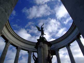 DSCF0842.jpg Cathays Park War Memorial ... Click image for larger file.